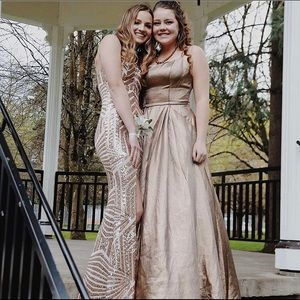 Dresses & Skirts - Prom ball gown dress